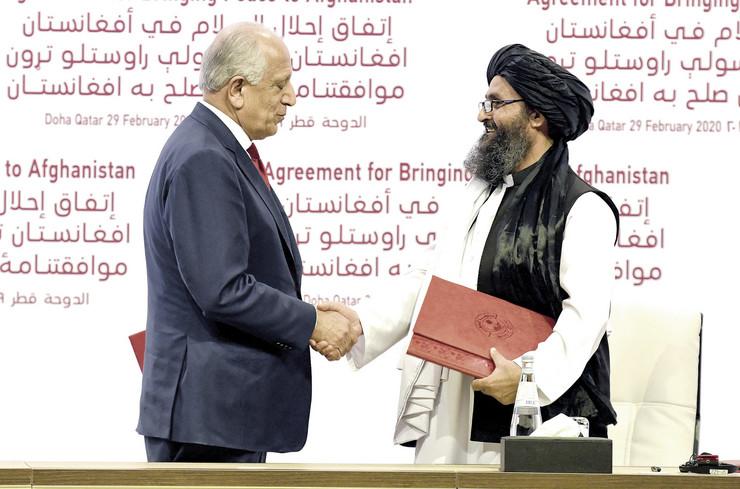 Bez rezultata: Sporazum u Dohi potpisali su američki specijalni predstavnik Zalmaj Kalilzad i lider talibana mula Abdul Gani Barader