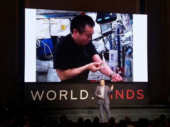 Kris Mejson istražuje kako se ljudsko telo ponaša u svemiru