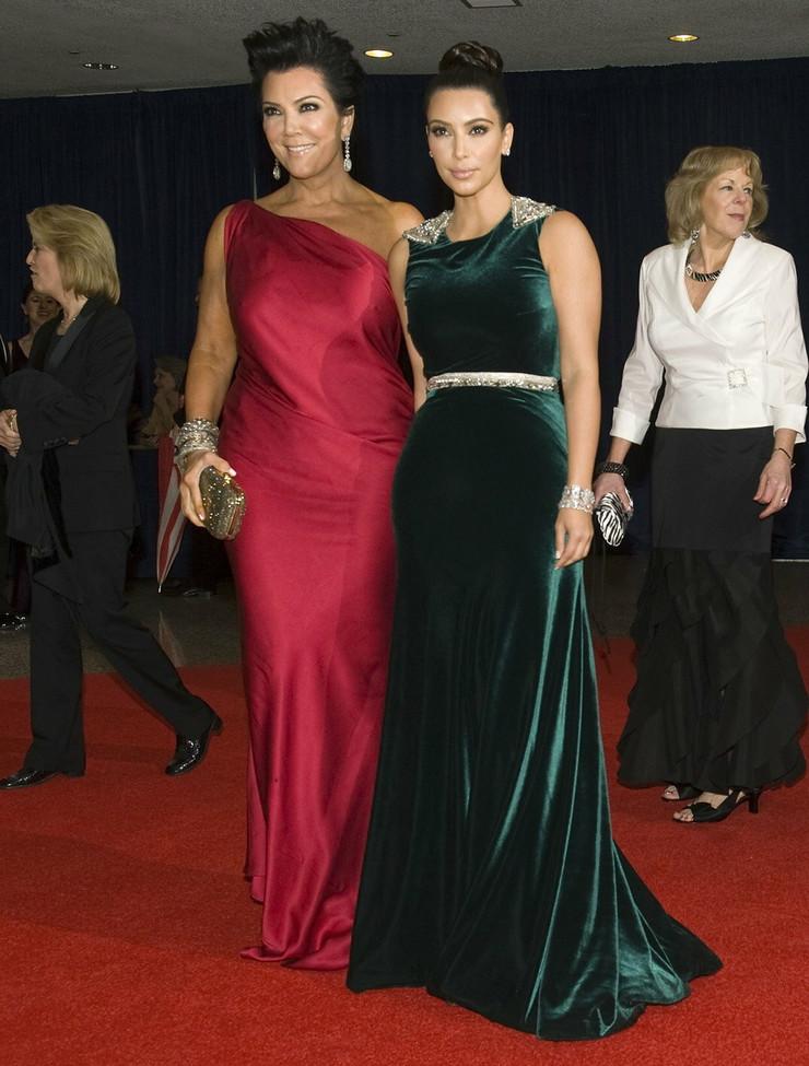 Kim Kardašijan je došla u pratnji svoje majke Kris Džener
