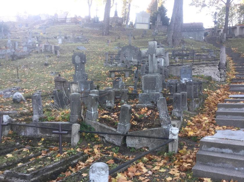 Litwini uratują cmentarz na Rossie