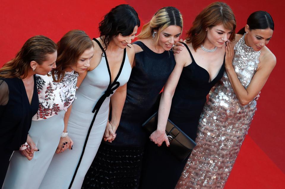 Emmanuelle Bercot, Isabelle Huppert, Juliette Binoche, Elodie Bouchez, Emilie Dequenne i Berenice Bejo