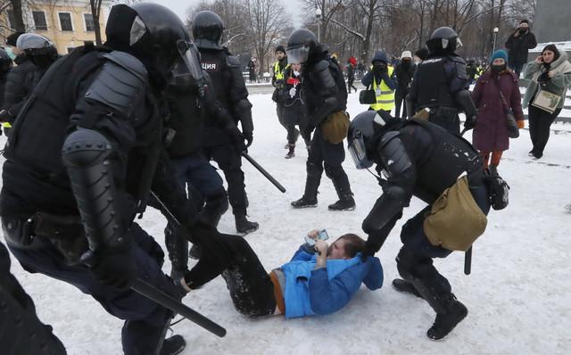 Protesti u Rusiji - Sankt Petersburg
