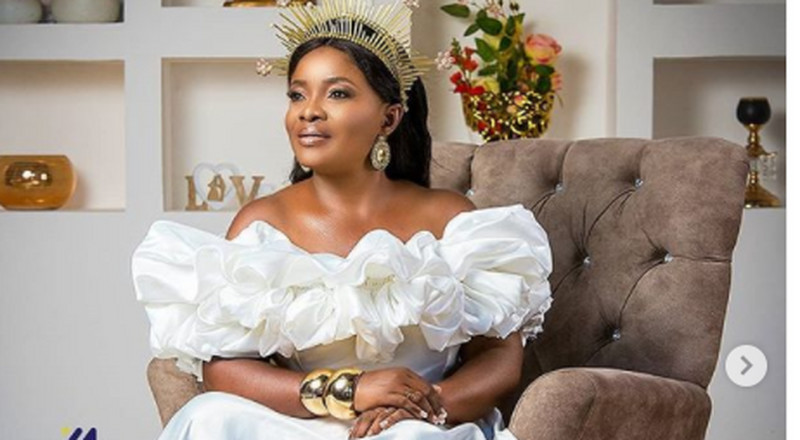 Ohemaa Mercy looks ethereal in this white floor-sweeping gown