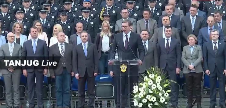 Aleksandar Vučić, Novi Sad, Policija