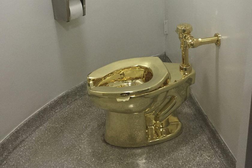 Złoty sedes jest wart milion funtów