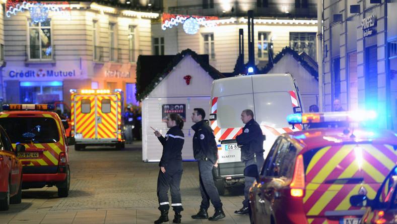Atak na przechodniów w Nantes