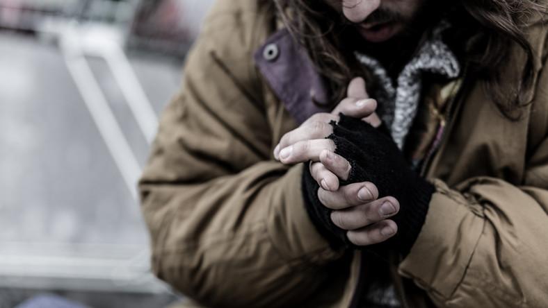 Koronawirus w Polsce: bezdomni w dramatycznej sytuacji - Wiadomości