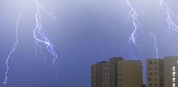 Burza w Warszawie. Do południa strażacy interweniowali 260 razy! IMGW rozesłało kolejne ostrzeżenia!