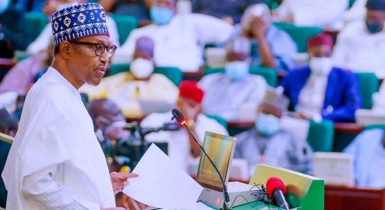President Muhammadu Buhari presents N16.39trn 2022 Budget proposal to joint session of NASS. [Twitter-Punch]
