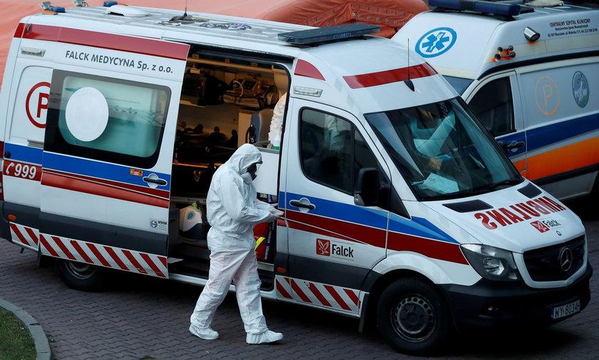Koronawirus w Polsce. Znów więcej zgonów z powodu COVID-19. Najnowsze dane o zakażeniach