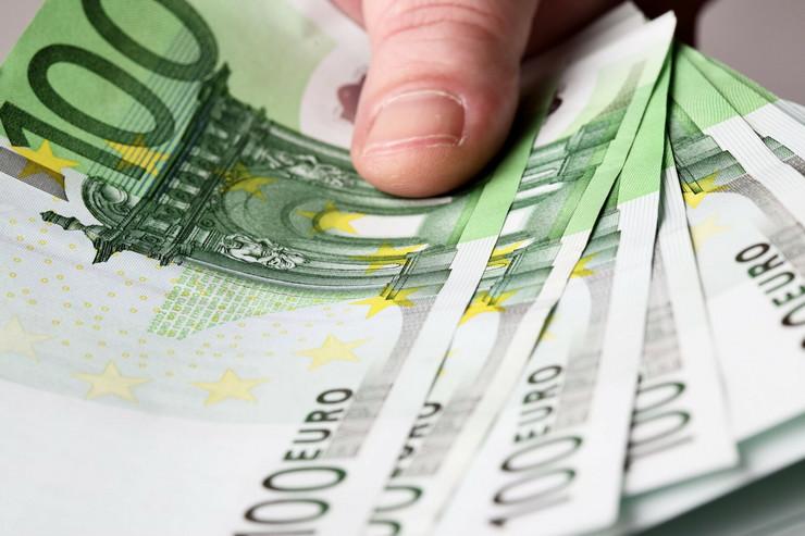 100 evra profimedia-0106611738