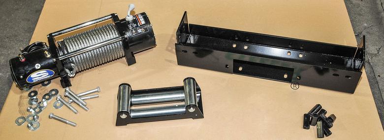 Wyciągarka to nie wszystko – potrzebne jest też solidne mocowanie, najlepiej profesjonalnie przygotowana płyta montażowa.