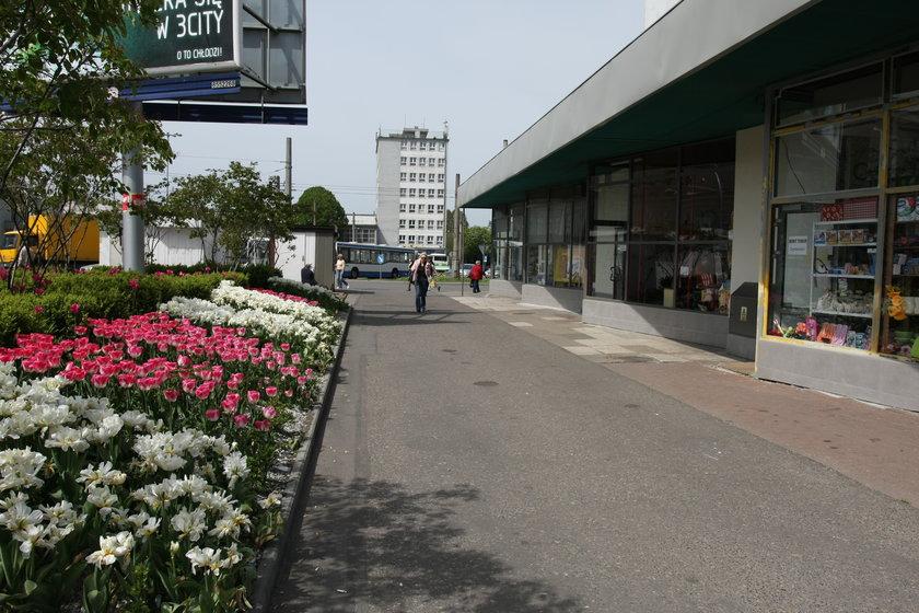 Skwerek przy dworcu PKP Gdynia Główna