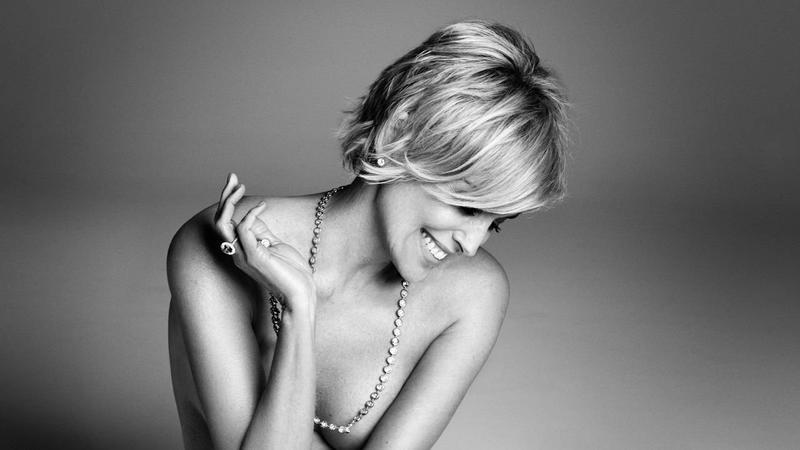 "Sharon Stone w ""Harper's Bazaar"""
