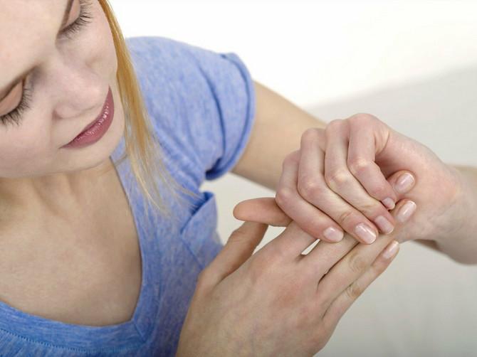 Kada su prsti već neko vreme nepomični nužna je operacija