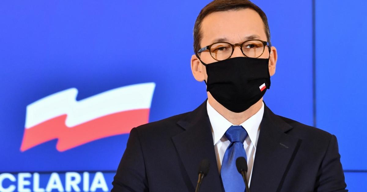 Wróbel: Walka oświaty z Polakami? Morawiecki przekroczył granicę ...