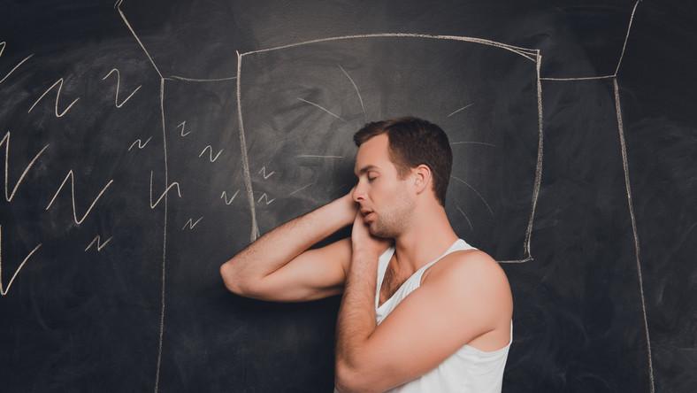 Jeśli bliscy narzekają, że chrapiesz, sprawdź, co możesz zrobić, by to zmienić. Jest kilka sprawdzonych sposobów.