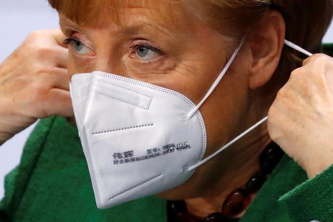 Angela Merkel danas sa maskom u Berlinu