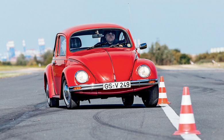 Gdy Mini i Renault 4 zadebiutowały, on już uchodził za klasyka. Był też jeszcze produko-wany, kiedy tamte stały już w muzeum. W latach 80. Garbusa kupowali tylko ci, którzy mieli z jakiegoś powodu alergię na Golfa