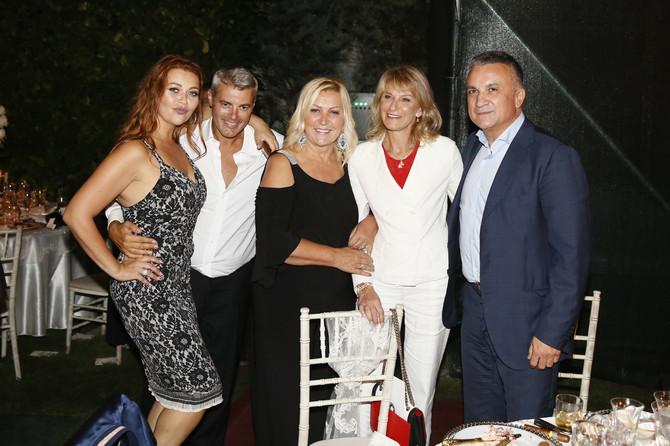 Sa mamom Merimom i Đokovićima