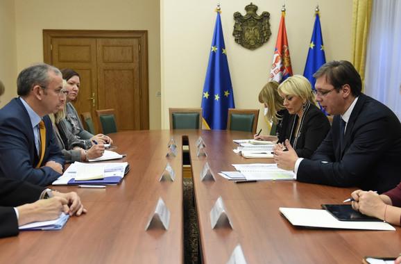 Devenport i Vučić