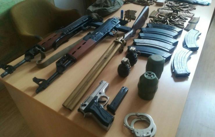 oružje arsenal zaplena hapšenje sremska mitrovica