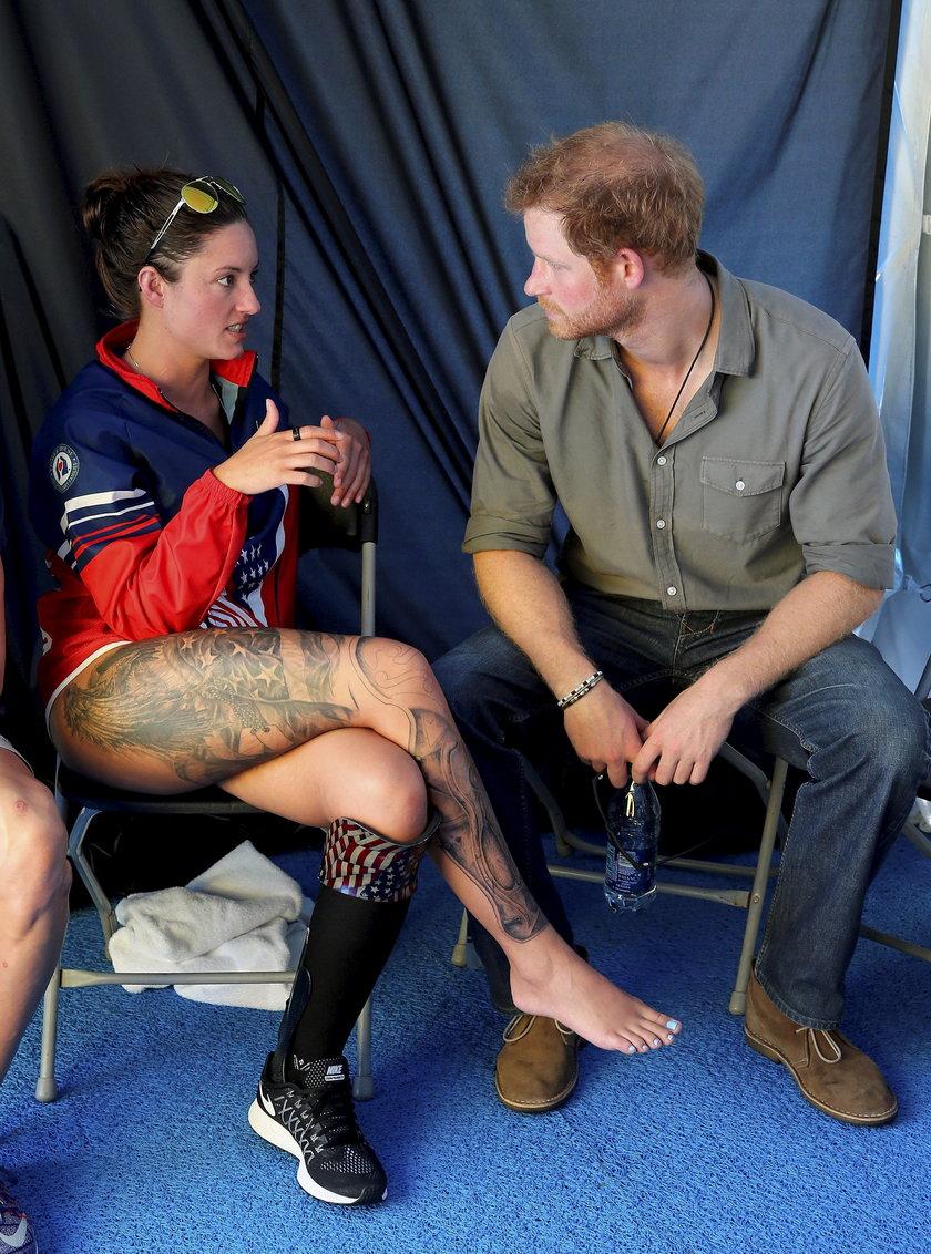 Książę Harry spędził chwile z piękną niepełnosprawną pływaczką