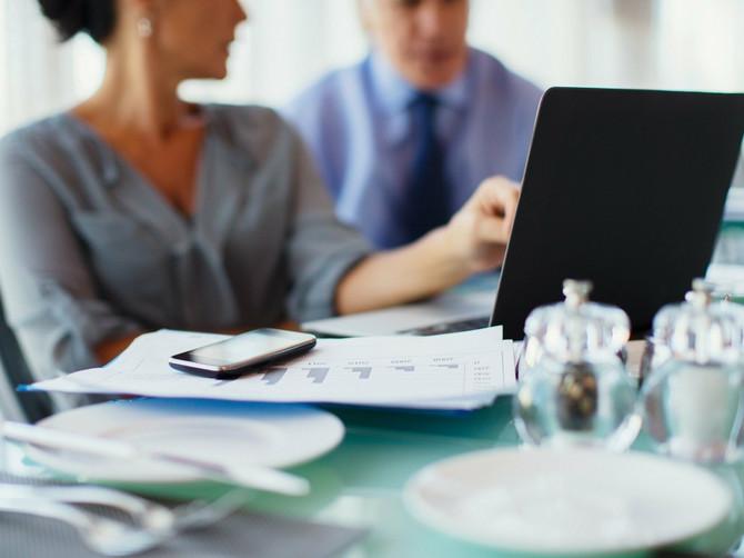 Ako ste u dilemi da li vas šef ceni ili ne, postoji 7 SIGURNIH znakova koji će otkloniti sumnju!