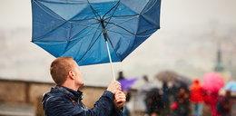 W środę nadal będzie ciepło, ale i deszczowo. Termometry wskażą nawet 22 st. C! Gdzie nie warto wychodzić z domu bez parasolki?