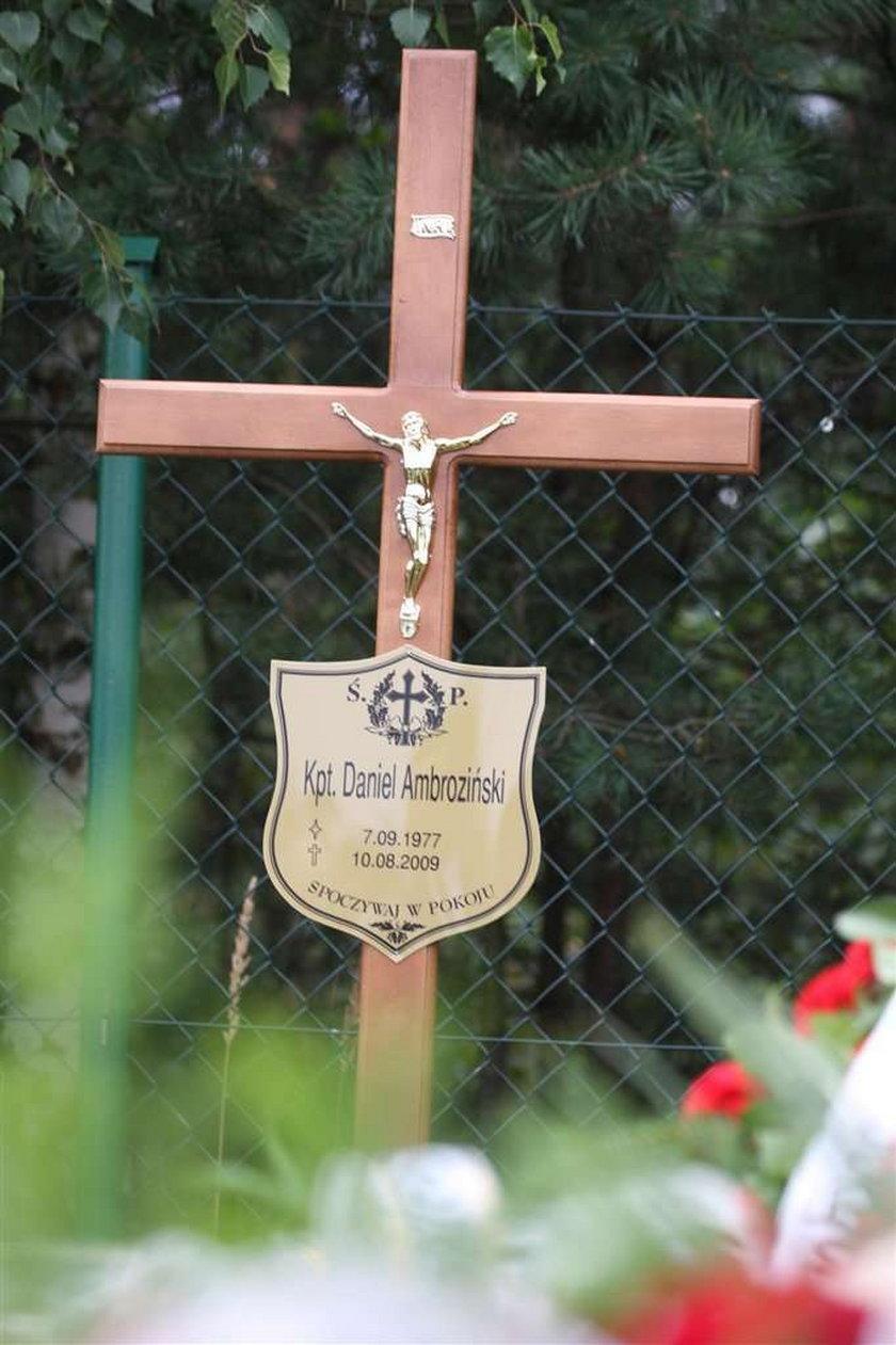 Pogrzeb kapitana Ambrozińskiego