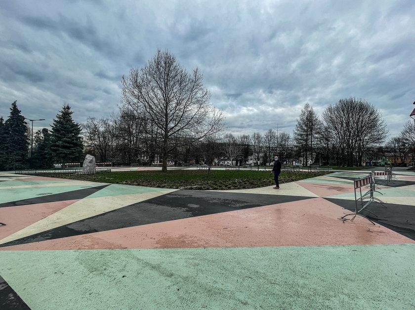 Mieszkańcy apelują: Poprawcie plac św. Maksymiliana Marii Kolbego!