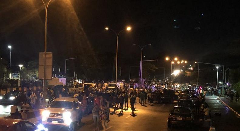 #EndSARS protesters in Abuja (Twitter: @MadukaOkwudili)