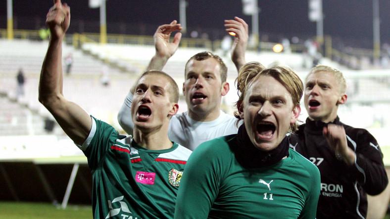 Piłkarze Śląska cieszą się po pokonaniu ŁKS