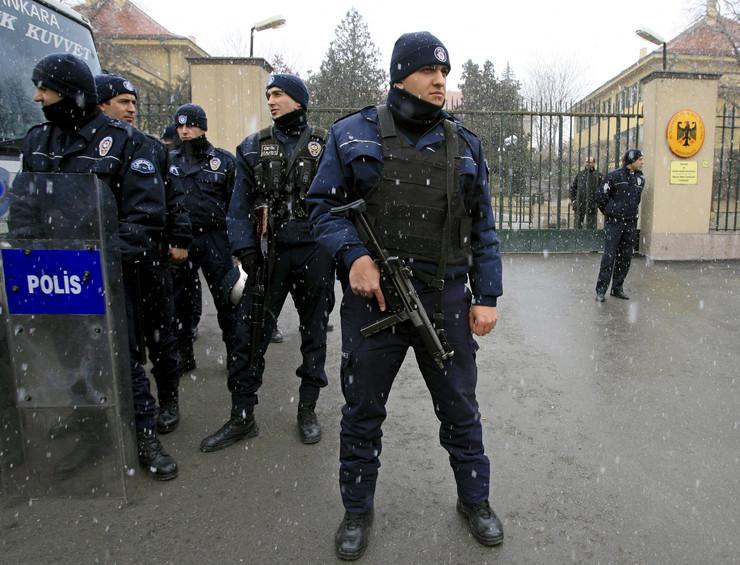 Turska, policija, EPA - STR