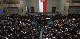 """Sejm uchwalił ustawę o """"trzynastkach"""" dla emerytów"""