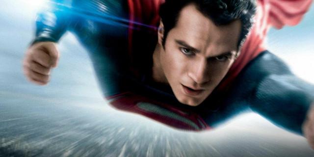 """Trenuci u kojima Supermen u """"Čoveku od čelika"""" uveliko leti..."""