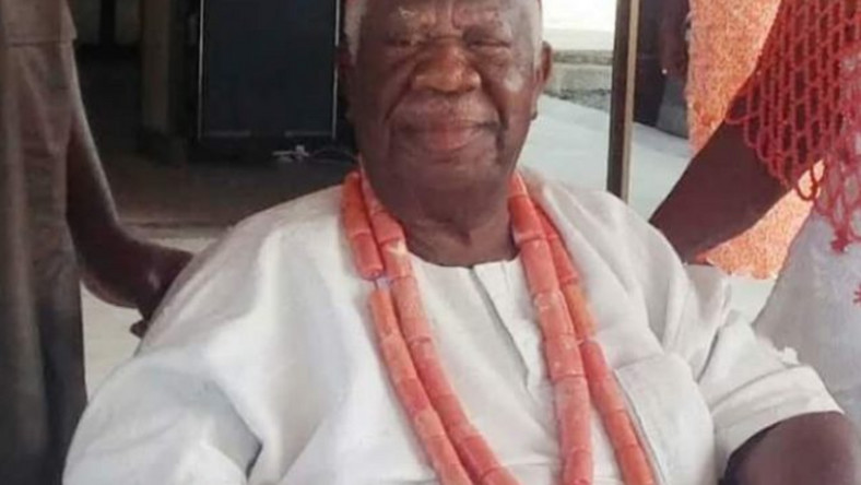 Professor Chukuka Okonjo, father of former minister of finance, Ngozi Okonjo-Iweala died at the age of 91. (TheCable)