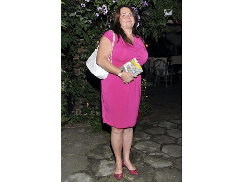 Czy Katarzyna Niezgoda w różowej kreacji wygląda atrakcyjnie?