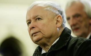 """PiS jako partia narodowa: Kaczyński tworzy podział na osi """"patrioci"""" – """"rzecznicy obcych interesów"""""""