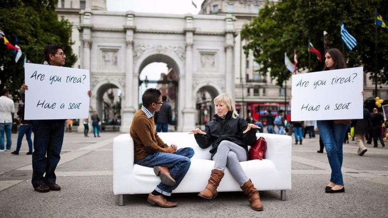 Sobotnia Sofa pod Marable Arch w Londynie