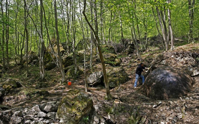 Gigantyczna kamienna kula odkryta w Bośni i Hercegowinie