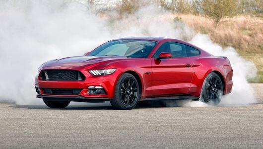 Ford zbuduje hybrydowego Mustanga