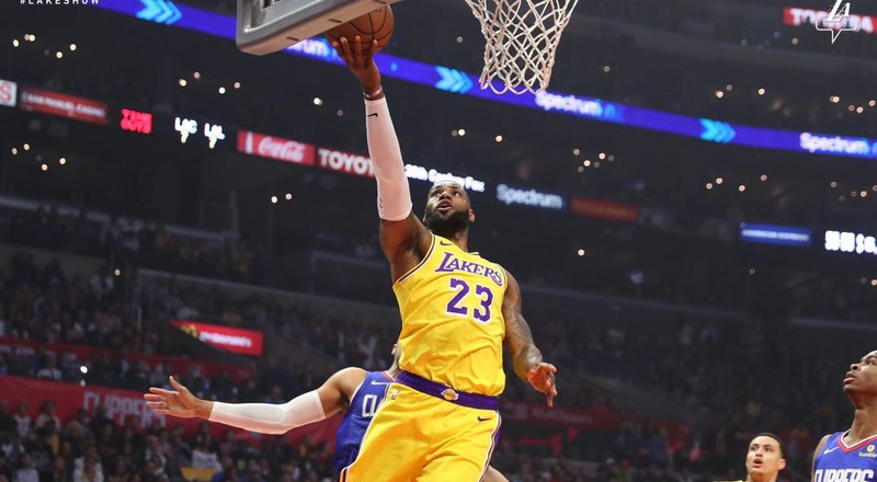 LeBron James makes NBA return after 17 games in Lakers win against Clippers