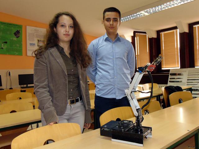 Veljko i Aleksandra Aleksić kažu da se robot momže primenjivati u raznim industrijama