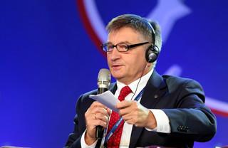 Eurodeputowany PiS: Próba obalenia rządu skoordynowana z dziennikarzami i posłami do PE