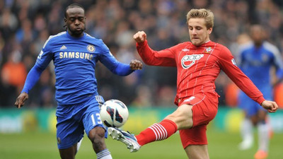 Manchester United defender Luke Shaw mentions Victor Moses as one of his toughest opponents