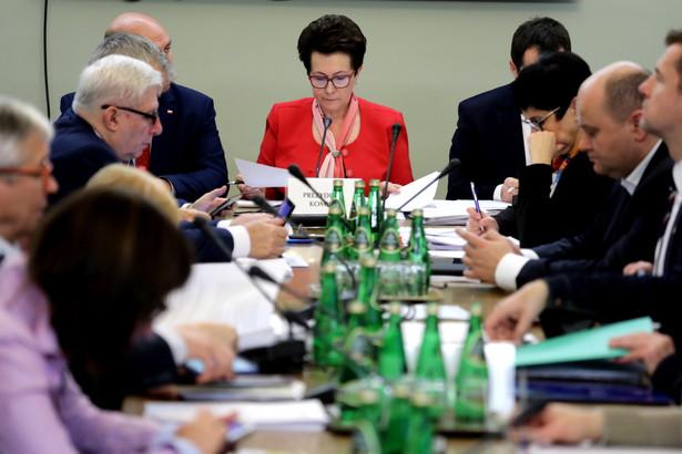 Przewodnicząca komisji Anna Milczanowska