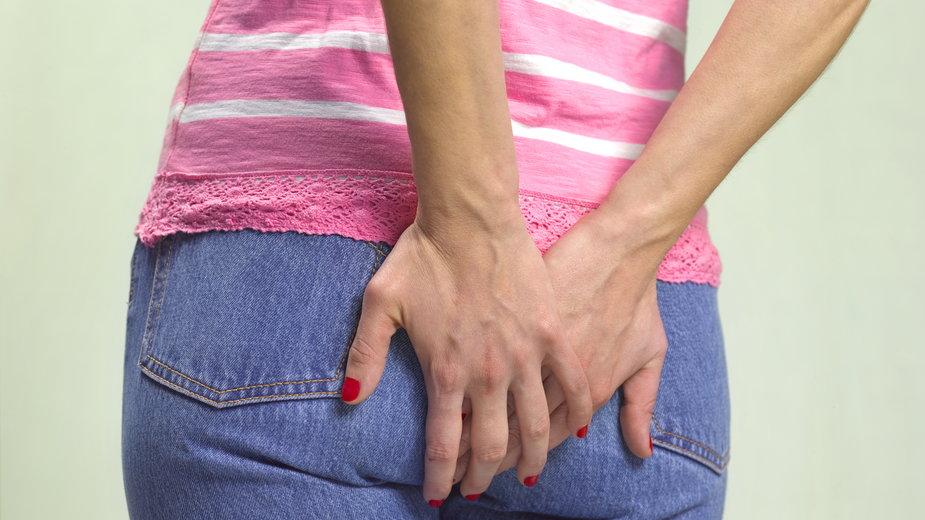 Ból odbytu po porodzie - czym może być spowodowany i jak sobie z nim radzić?