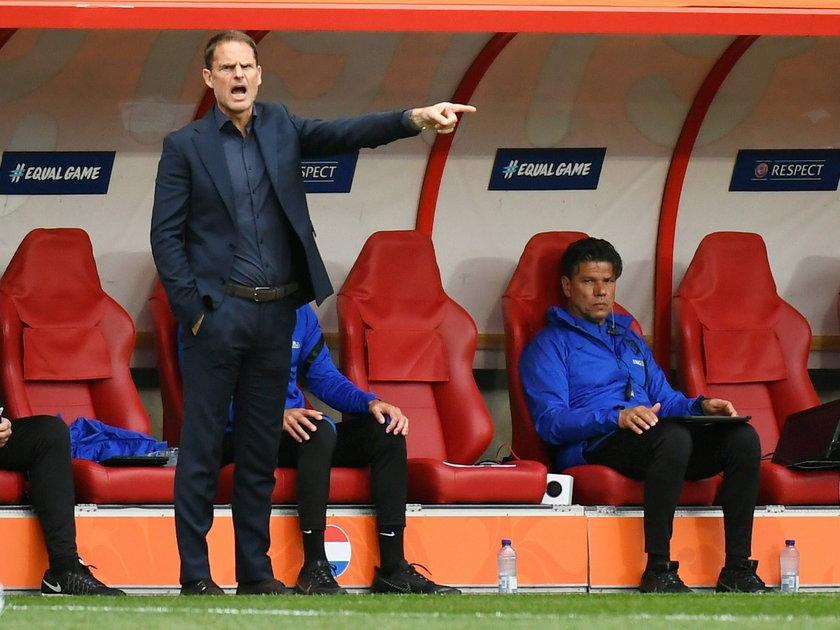 Frank de Boer deklaruje, że jego zespół mierzy w półfinał.