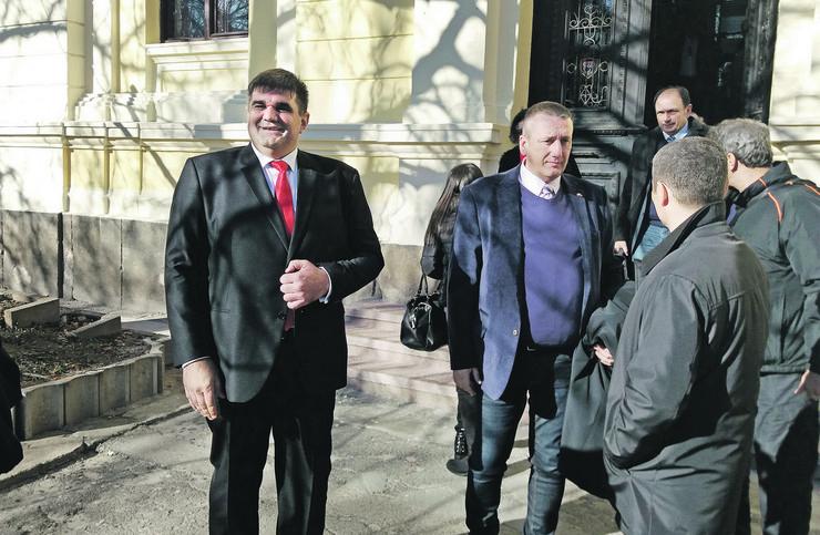 sasa mirkovic Zajecar Mirkovic ispred Osnovnog suda, foto S.Golubovic